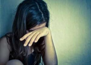 žena tužna