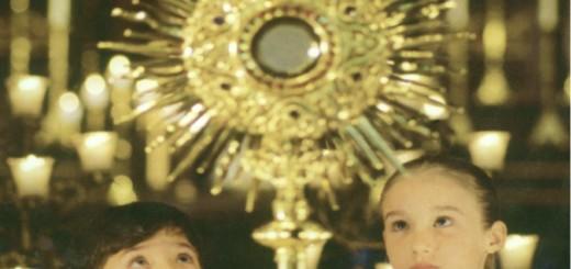 euharistija-klanjanje-djeca
